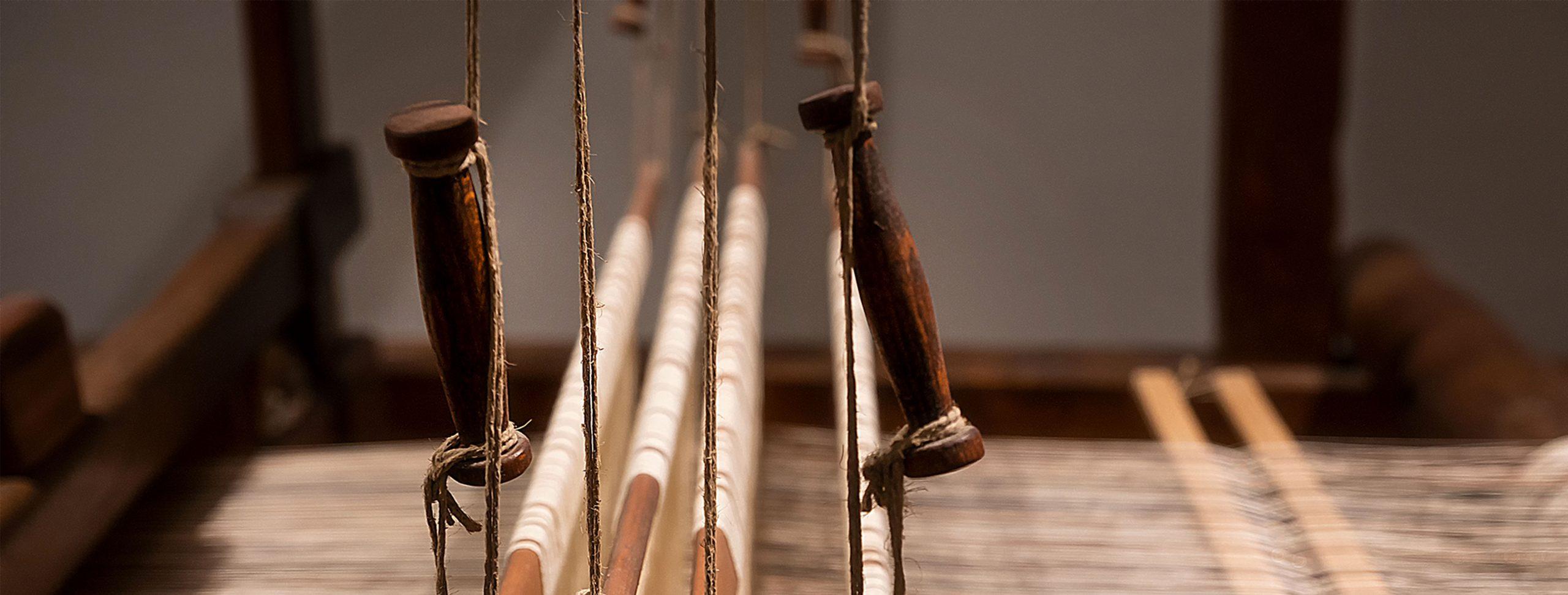 Dettaglio di un telaio antico.