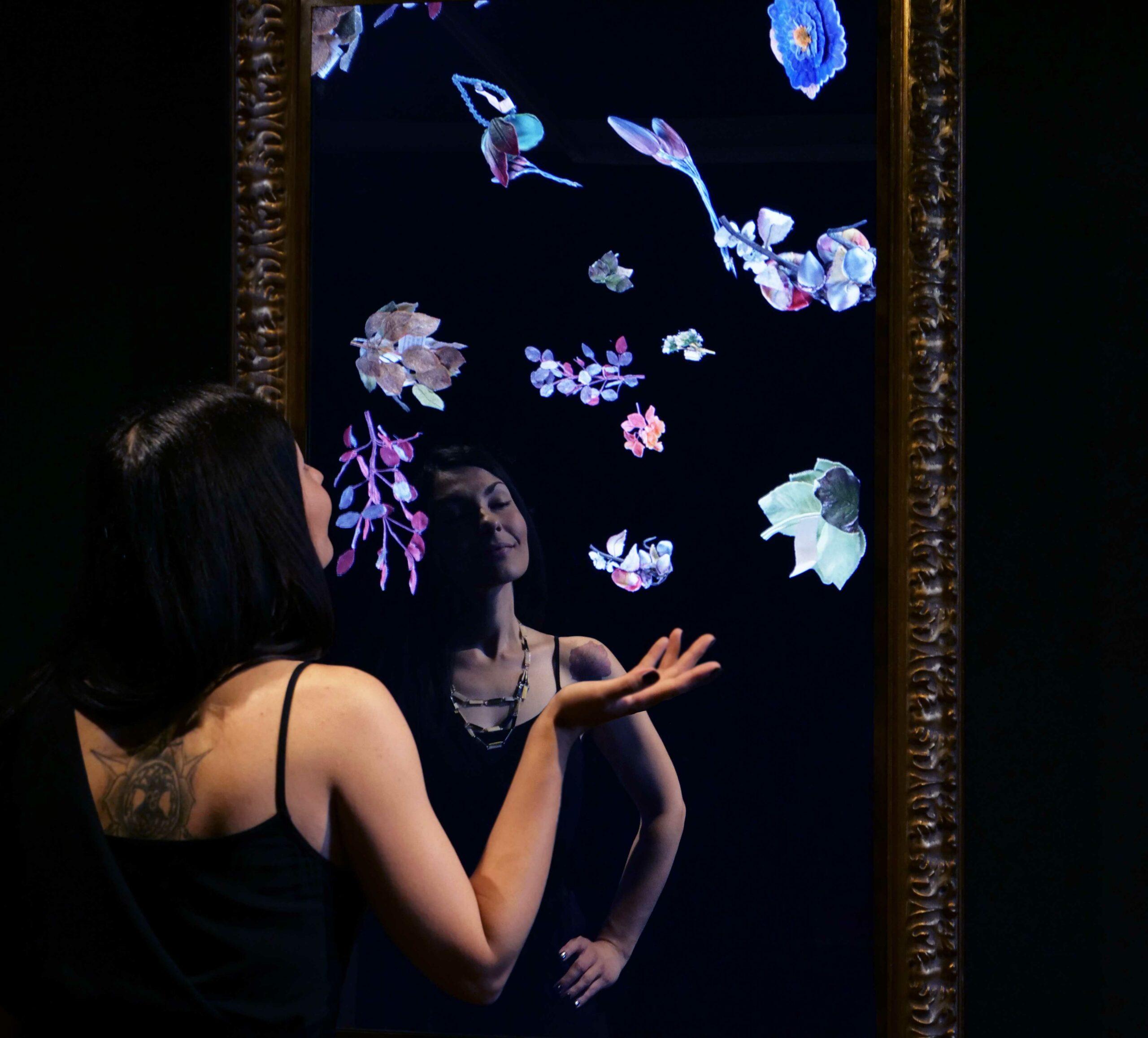Chiara Corriga si specchia dinnanzi a un antico specchio e scopre una nuova parte di sé.